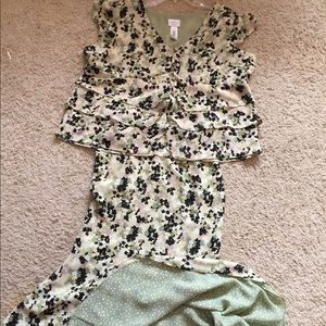 Emma James 2 piece set with reversible skirt. 16 W
